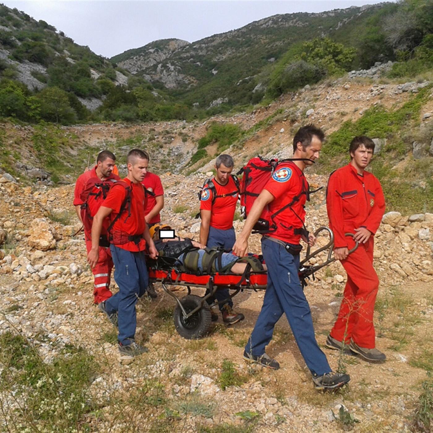 Akcija spašavanja švicarske turistkinje u zaleđu sibinja.